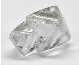 Berlian mentah cerah