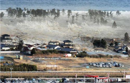 March 2011 tsunami japan