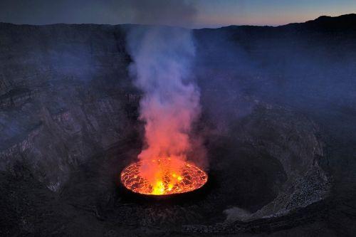 Nyiragongo-gunung-berapi-erupsi