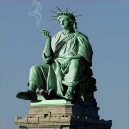 patung-liberty-lucu