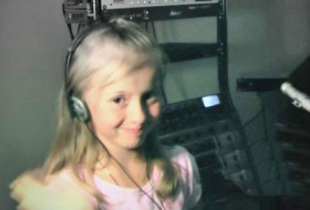 Alina Kukushkina Pengisi suara Masha dalam bahasa Russia