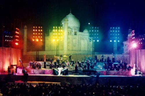 Penampilan Yanni di Taj Mahal