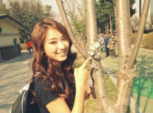 Yoon Bora Sistar