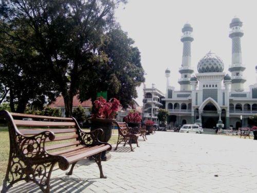 Alun Alun Masjid Jami Malang