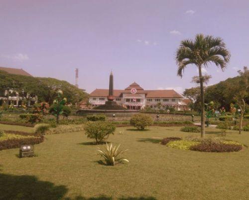 Alun alun Tugu Kota Malang