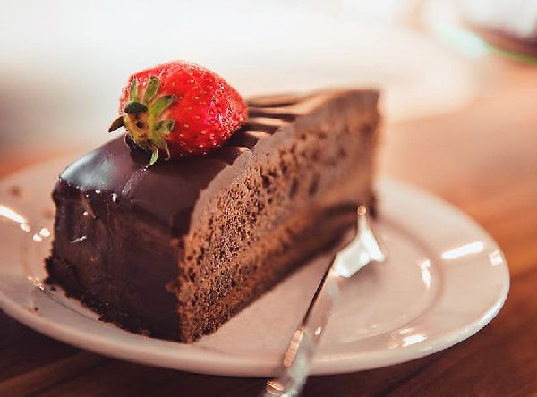 delicious chocolate cake enak