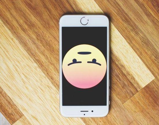 handphone sad