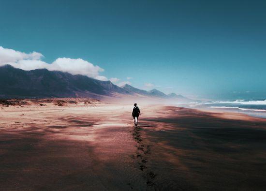 Alone sendiri pantai gunung